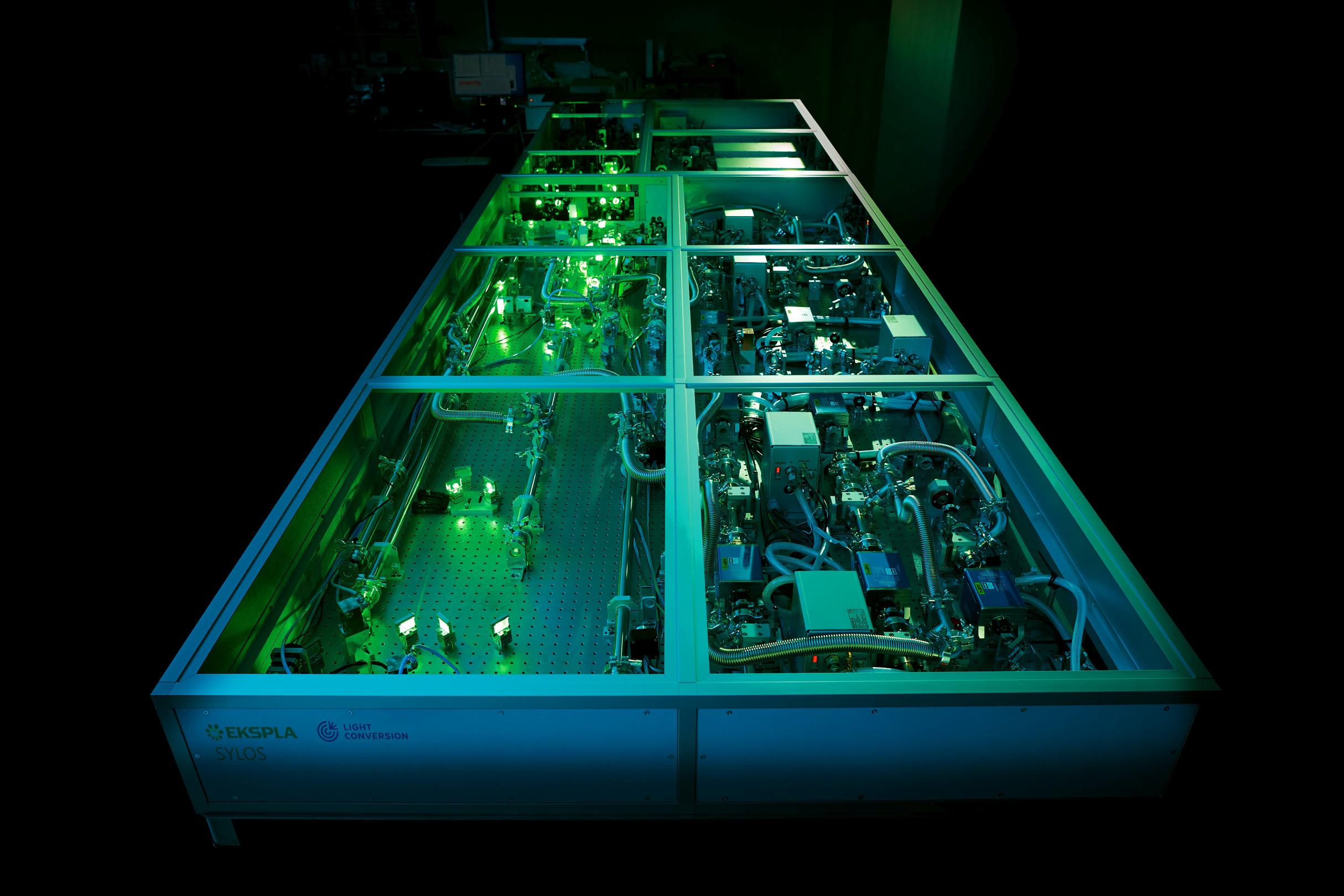 OPCPA-laser-system-sylos3.jpg (905 KB)